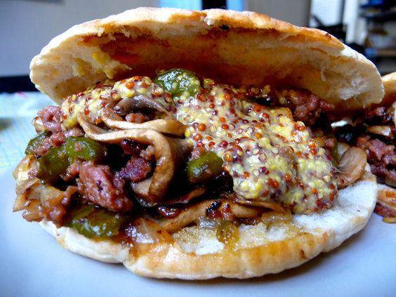 https://flic.kr/p/62pFgE   kebabs domésticos experimentales   Con salsa de mostaza dulce de Dijon.