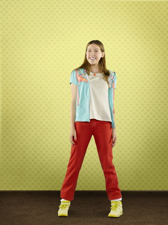 Eden sher, Comedy series and Critics choice on Pinterest