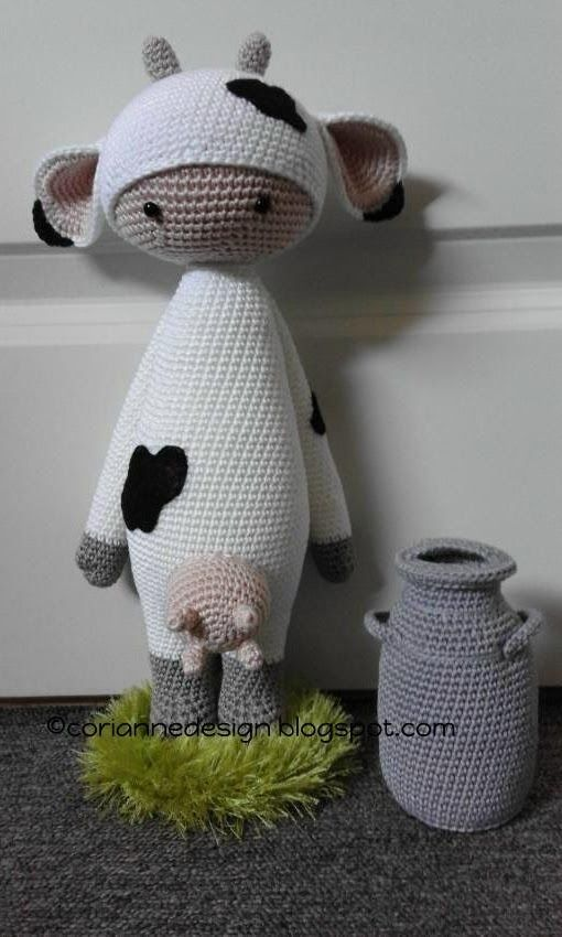 Cow mod made by Corianne / based on a lalylala crochet pattern: