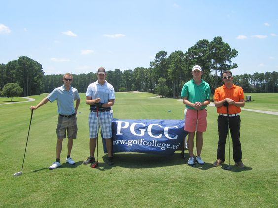 Summer 2016: Our Hilton Head students ready to play in the 4th Qualifier. #Golf #GolfCollege #PGCCGolf