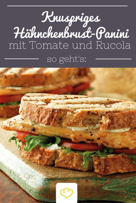 Das hört sich doch auch nach einem leckeren Snack an: Knuspriges Hähnchenbrust-Panini mit Tomate und Rucola! Wir probieren es aus! Was du brauchst: Hähnchenbrustfilets, Frischkäse mit Knoblauch und Kräutern. Rucolablätter, Tomaten und dick geschnittenes Weizenvollkornbrot und dann ist das leckere Panini in einem Handumdrehen kreiiert! Einfach auf die Hand oder zum Mittag für die Kiddies! Lecker!
