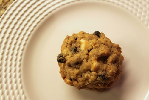 white-chocolate blueberry oatmeal cookies