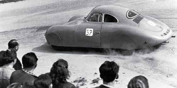 Porsche Typ 64 Otto Mathé. Auto-Straßenrennen in Krems am 1. Juni 1952