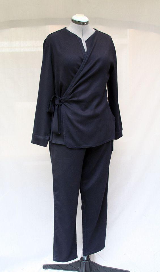 Pantalon droit bleu marine pour femme en coton stretch : Pantalons, jeans…