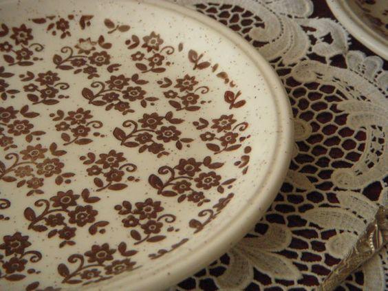 北欧アンティーク食器茶色い小花