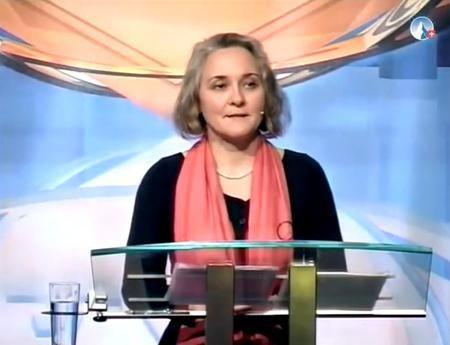Eine völlig unschuldige Frau wurde erneut zu weiteren 20 Monaten Gefängnis verurteilt, nur weil sich das Lügensystem ertappt fühlt. Sylvia Stolz während ihres Vortrages in Chur 2012 Am 24. November...