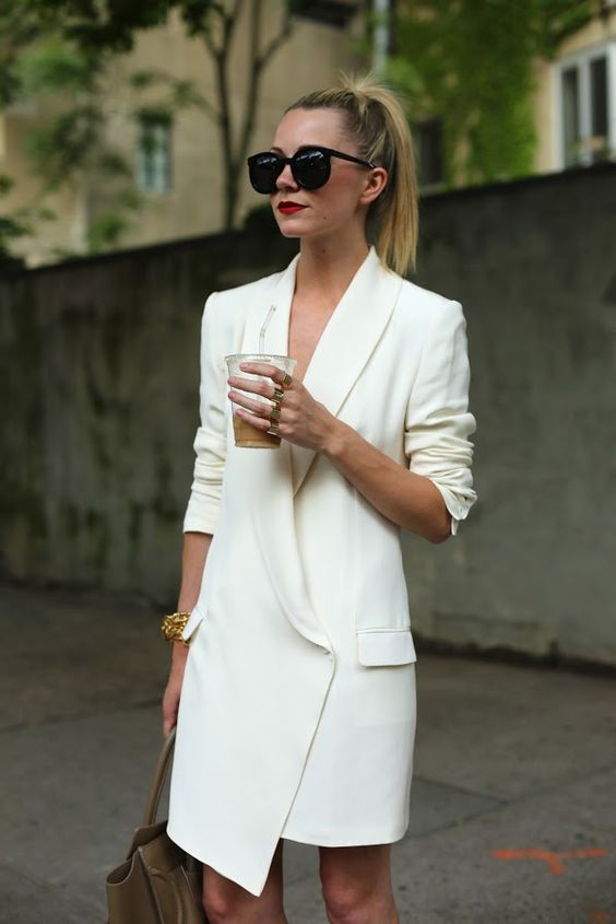Blazer dress. This outfit is so clever and put together perfectly. White block colour. Minimum makeup and hair back to show off the dress. Nude bag to make it look effortless. #Perfect