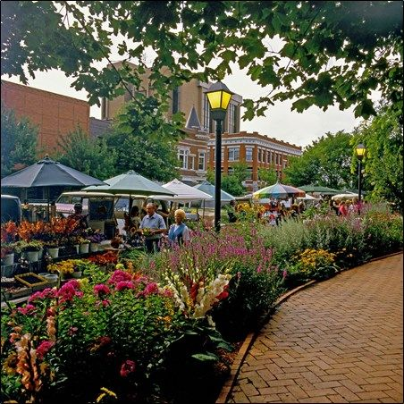 Fayetteville Square and Farmers Market - Fayetteville Arkansas -