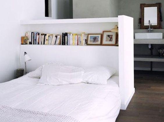 Une semi cloison en tête de lit  - Studios et kitchenettes - La touche d'Agathe - Appartements, appartment, studios, small, tiny house,