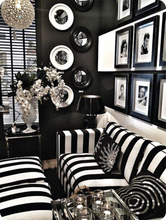 Todo al blanco y negro.