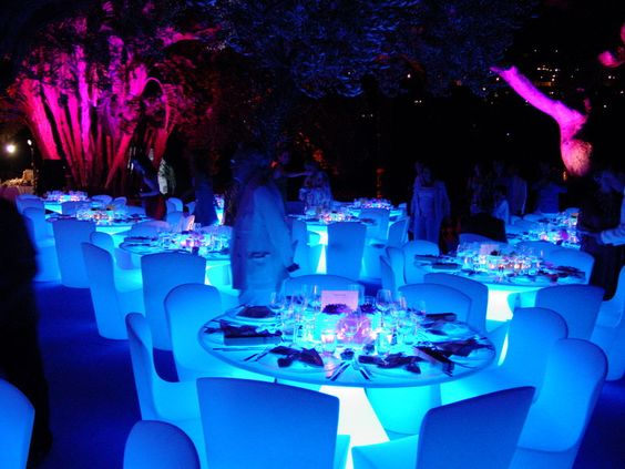 LOVE this glowing reception idea. In a tent outside at night