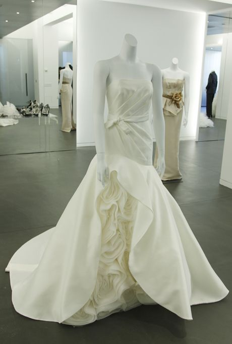 Brides: White by Vera Wang - Fall 2012 :  I heart Vera so much!