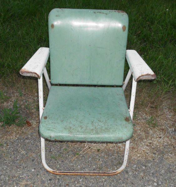 Antique Vintage Heavy Metal Folding Lawn Patio Chair