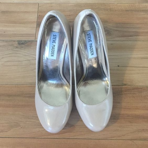 Nude Steve Madden Pumps Only worn 3 times, still in excellent condition Steve Madden Shoes Heels
