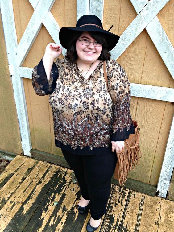 Unique Geek: Plus Size OOTD: Bohemian Bronze #plussize #plussizeoutfit #plussizeootd #fringe #bohemian #floppyhat #plussizeblogger #plussizefashion: