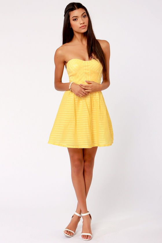 Stylist&-39-s Pick-nic Yellow Strapless Dress - Stylists- Flare and Yellow