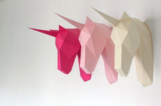 Trophée tête de licorne SculPaper présent le nouveau trophée tète de licorne fait en papier couleur de 160 gr / m2 en KIT DIY à monter vous-même.