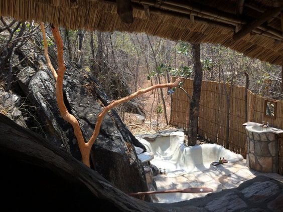 Niassa chalet's outdoor bathroom with its own heart shaped bath