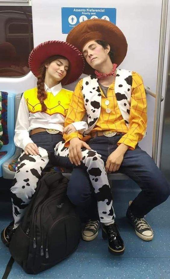50 Best Unique Couples Halloween Costumes To Copy This Year In 2020 Cute Couple Halloween Costumes Cool Halloween Costumes Cute Couples Costumes