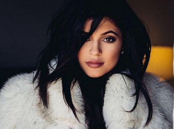 Kylie Jenner : Comme Ses Grandes Sœurs, Elle Succombe À La Fourrure !
