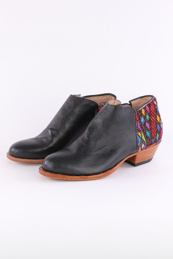 NO. 23 YOUNG RESTLESS ANKLE BOOT