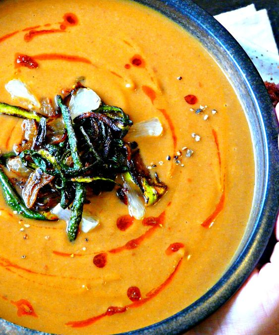 Spicy Moroccan Zucchini & Cauliflower soup. Vegan + grain, sugar, gluten & nut-free. A flavour bomb