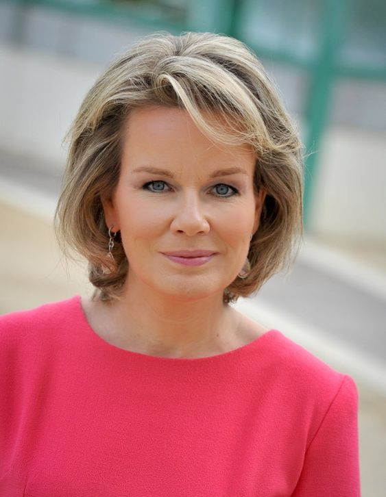 "New photo of Queen Mathilde released on her 45th birthday ""Bedankt voor uw verjaardagswensen! Merci pour vos vœux d'anniversaire! Danke für Ihre Geburtstagswünsche! Thank you for your birthday..."