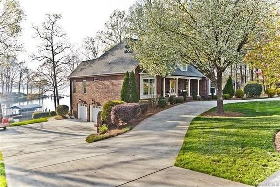 621 Barber Loop, Mooresville, NC 28117 - Home For Sale and Real Estate Listing - realtor.com®