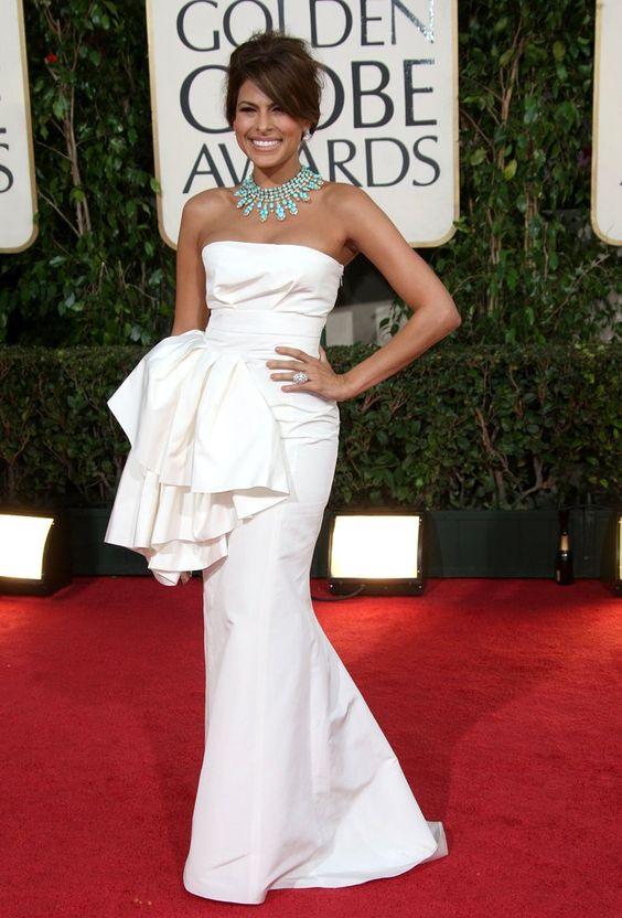 Pin for Later: Die glamourösesten Kleider vergangener Golden Globes Eva Mendes in Christian Dior bei den Golden Globes (2009)