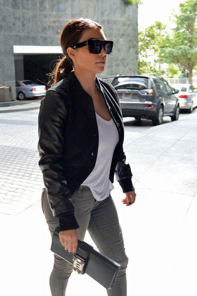 Kim Kardashian Photos Photos - Kim Kardashian arrives at the Four Seasons Hotel which also houses The Miami Institute for Age Management
