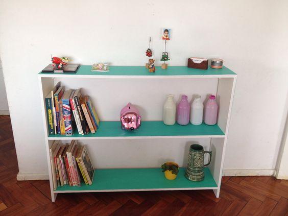 Biblioteca reciclada. DIY. https://www.facebook.com/AnezkaDeco