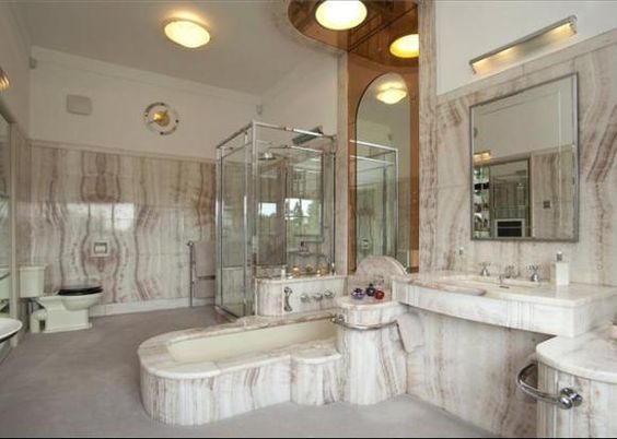 Art deco bathroom ascot berkshire 1930s mansion is for 1930 bathroom design ideas