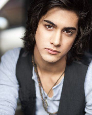 Beck off of Victorious is attractive.