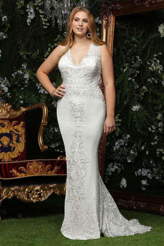 Trumpet V-neck Lace Plus Size Wedding Dress