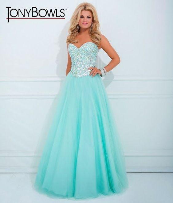 un vestido para 15 color verde agua lindo!