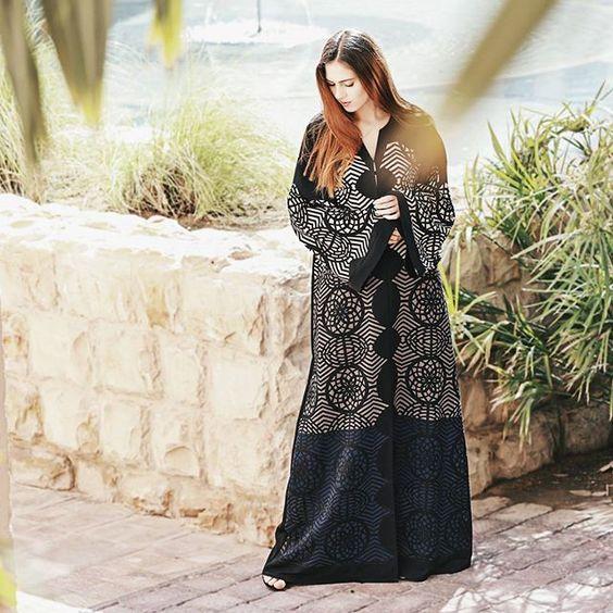 التشكيله الجديدة من عباءات لوزان اصبحت متاحه الآن في جميع المتاجر ابقوا على اتصال دائم وعلى متابعة لحسابنا على الانستقرام Fashion Abaya Fashion Muslim Fashion