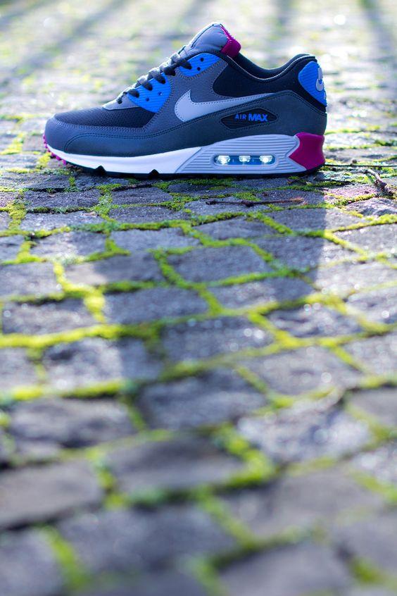 Nike Air Max 90 | Blue & Magenta