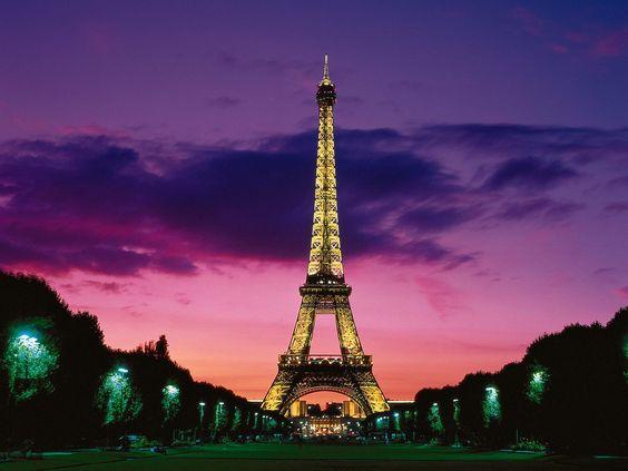 Torre Eiffel Paris night - AR 85
