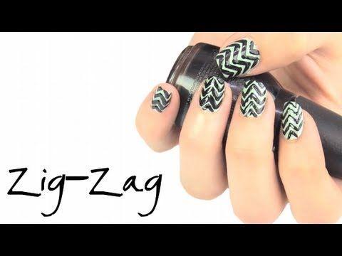 Diseños de uñas zig-zag. Zig-zag nail art.