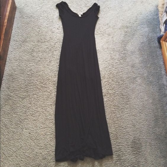Black Maxi Dress Nice, long black dress from Hidden Heart. Really good condition, I just never wore it because it wasn't flattering on me. Hidden Heart Dresses Maxi