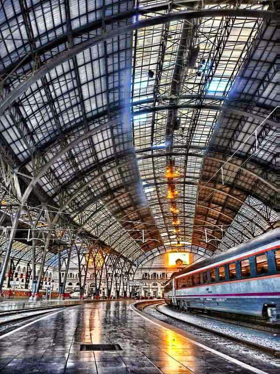 Estación de Francia, Barcelona. Photo: Xavi
