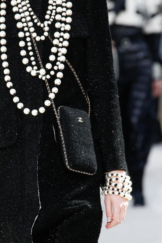 Chanel Fall 2016 Ready-to-Wear Fashion Show Details. NICE BRACELET - pearls with black knots between.