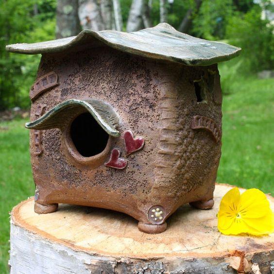 Fait main en céramique Birdhouse - grès décoratifs rustique Birdhouse - frottée Bird House - maison d'oiseau en EarthTones