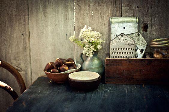 Rustic & beautiful kitchen tablescape