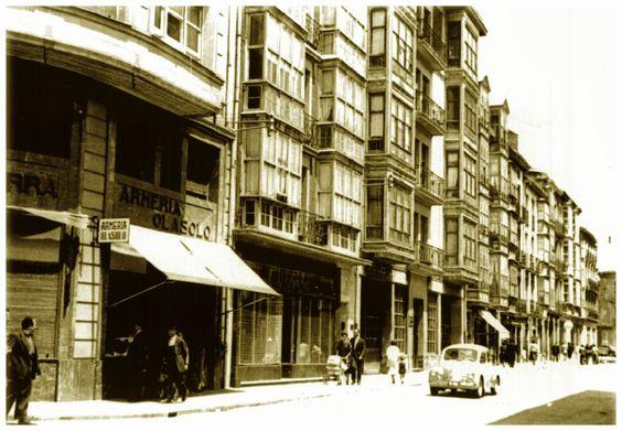fotos antiguas vitoria   Calle Postas, en el año 1960