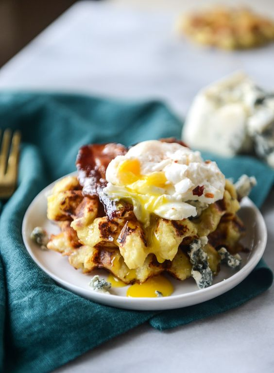 thanksgiving leftovers! bacon blue cheese mashed potato waffles I howsweeteats.com