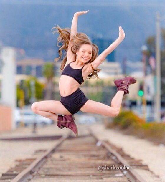 mackenzie ziegler sharkcookie - photo #3