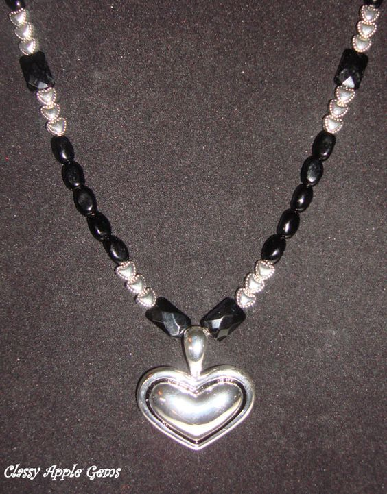 Heart Ncklace by cwhite5440 on Etsy, $18.00