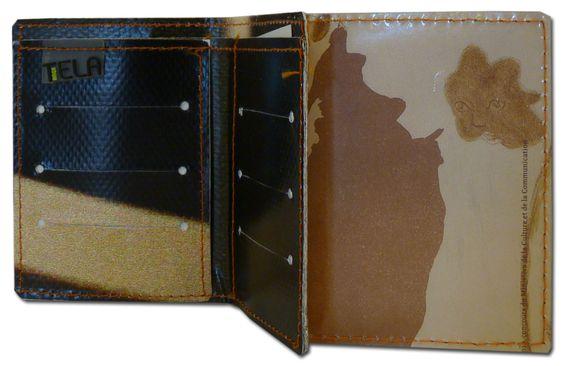 Porte-cartes recyclé Téla bag réalisé en affiches-bâches du musée - 6 €