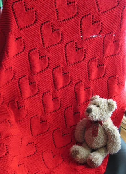 Big Heart Knitting Pattern : KNIT - Big Hearts Baby Blanket Free Knitting Patterns ...